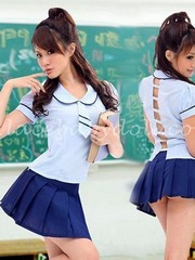 Tempting asian teen schoolgirls dancing..