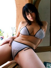 Curvy busty asian gfs posing for the..
