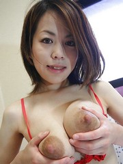 Beautiful Japanese babe lactating her..