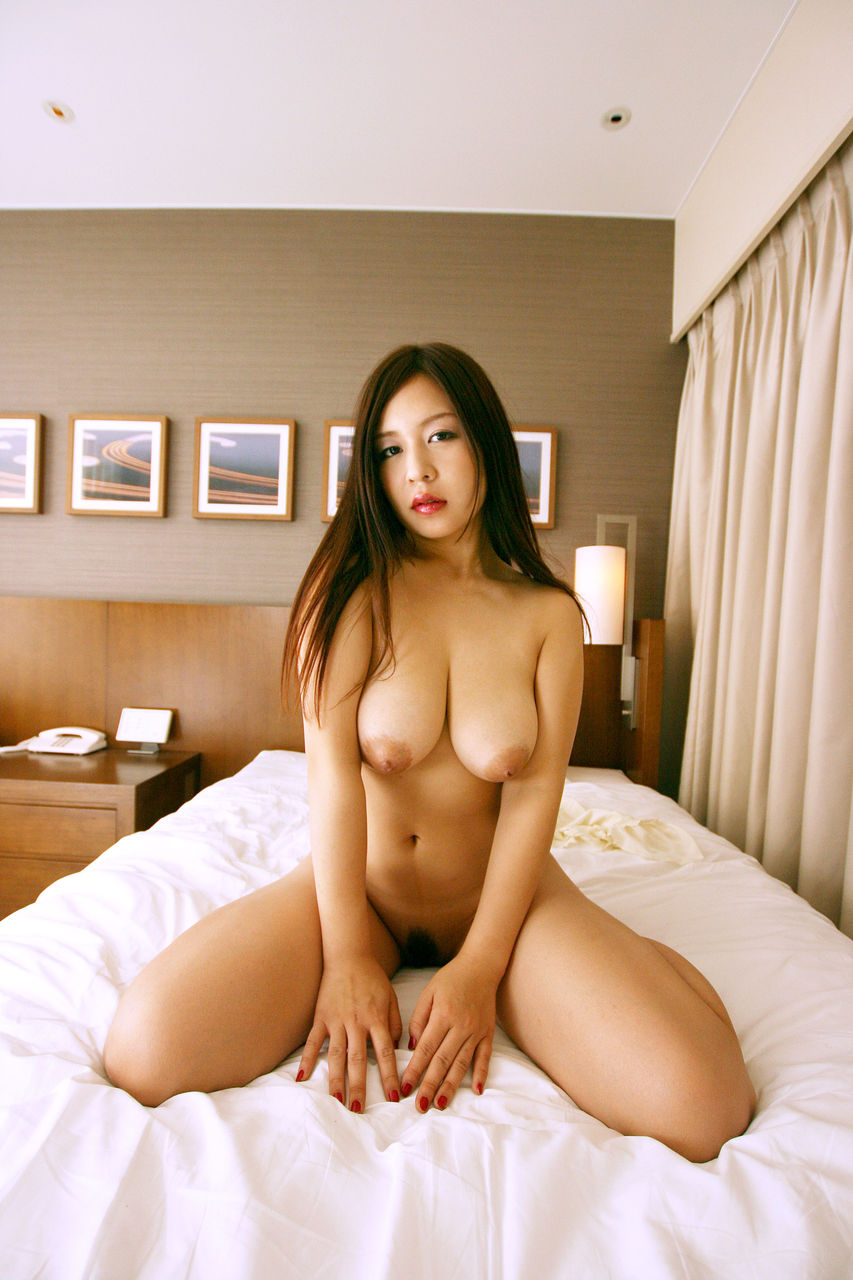 Mature rich japanese woman has her ways with the chauffeur 2